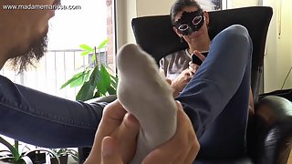 Madame Marissa - Slave massages and smells my stinky feet