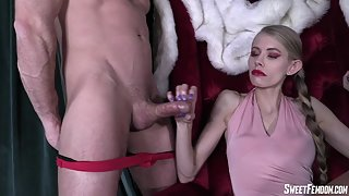 SweetFemdom - kyaa edging and squeezing