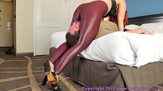 Karma - Strong Scissorhold Puts Ass Addict Under