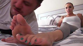 BrattyFootGirls - Sasha's Stinky Gym feet cleaner