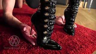 Nikki - Hand Tawsing For The Boot Boy
