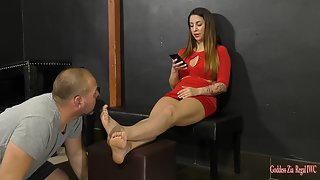 GoddessZia - Ignored foot worship