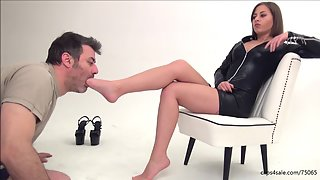 ELIZABETH - The Delay CRUEL FootDomination And Facekicking 1