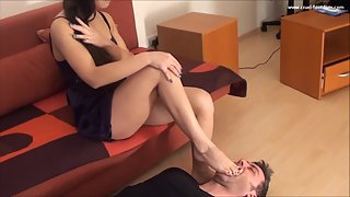 Lady Mira Spit FootWorship P3