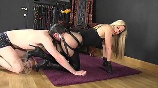 Nikki - The Smother Harness