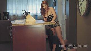 [FemaleWorship] LookAtThatTongueWork