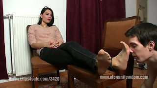 Mistress Lucy Nylon smelling