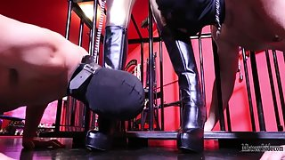 Mistress Iside - DOUBLE CLEANING FOR MY BOOTS