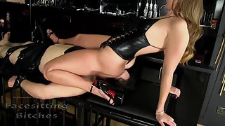 HonourMay - Mistress Honour May's Smother Sub