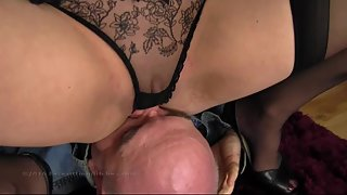 Nikki - Knicker Sniffing Training