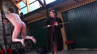 Cloe - Venus In Furs The Caning