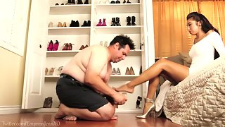 EmpressJennifer - Shoe Clean Drill
