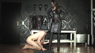 FemmeFataleFilms - Lady Victoria Valente Leather Goddess