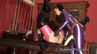 Queens of Kink - Screaming Rubber Doll Fucked
