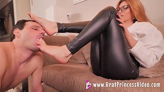 BratPrincess - Mia - Lick My Very Dirty Sneakers and Feet