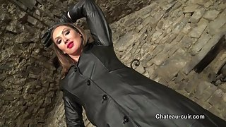 Goddess Yasmin in full leather - part 2