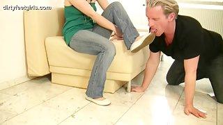Dirty Feet Girls - Clean young girls Feet