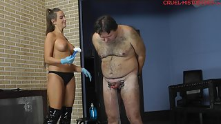 Cruel-Mistresses - Mistress Amanda Brutal cleaning of the balls
